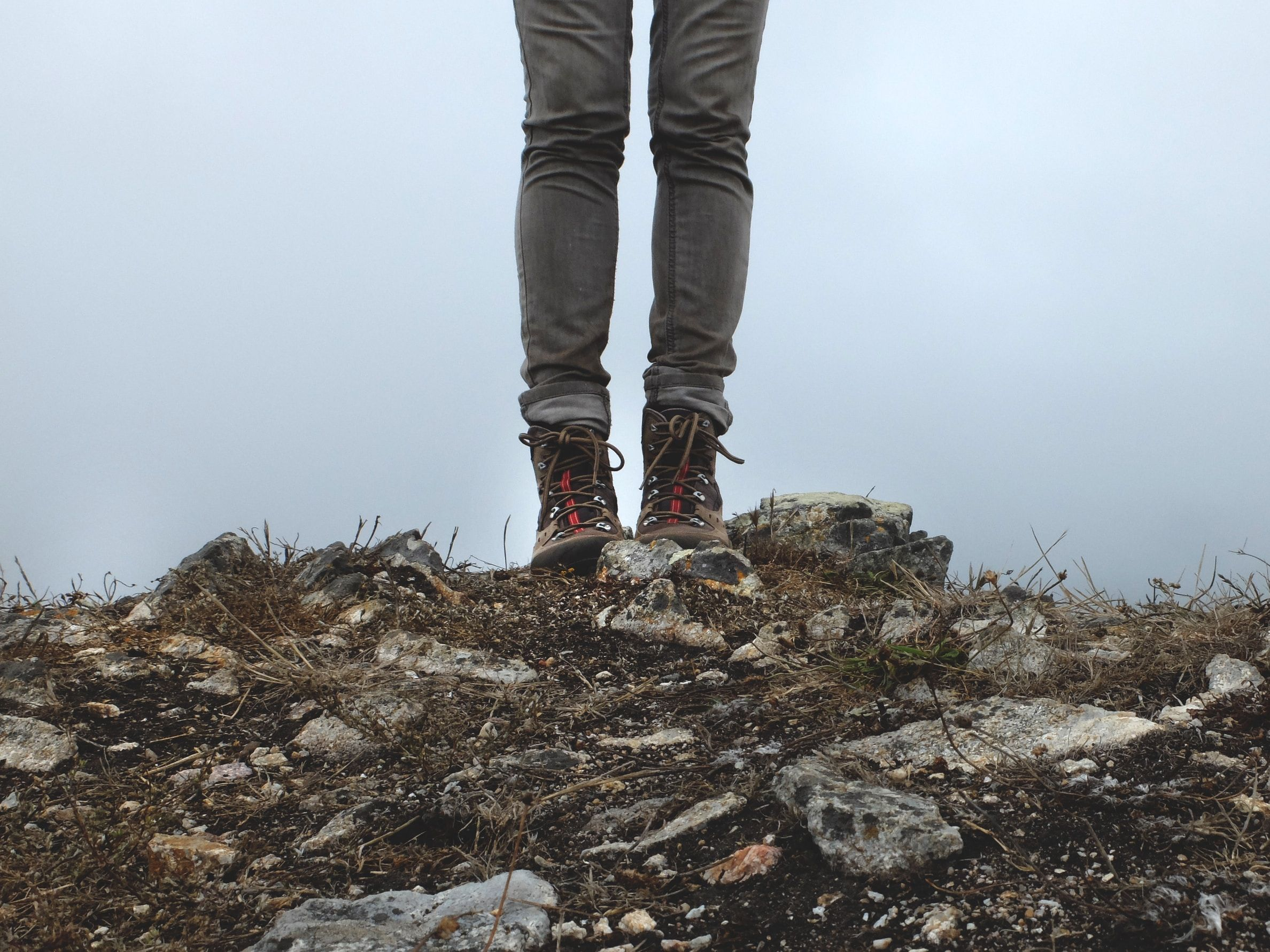 Ali bi vedno morali obuti visoke gojzarje za v hribe?
